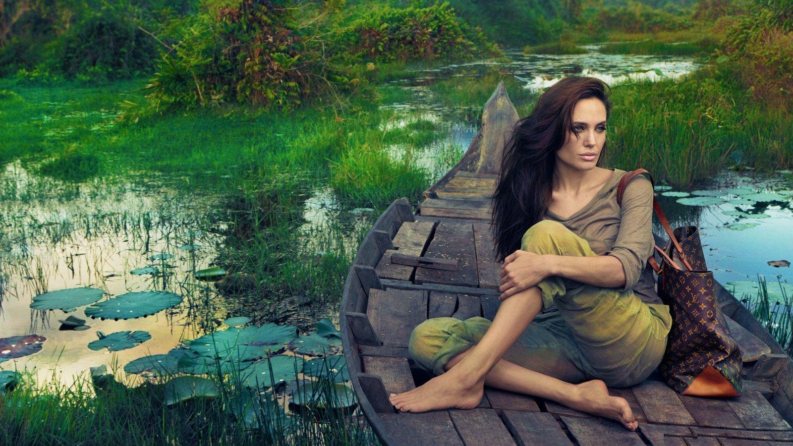 Angelina Jolie Fond D Ecran 1600x900 10 000 Fonds D Ecran Hd Gratuits Et De Qualite Wallpapers Hd