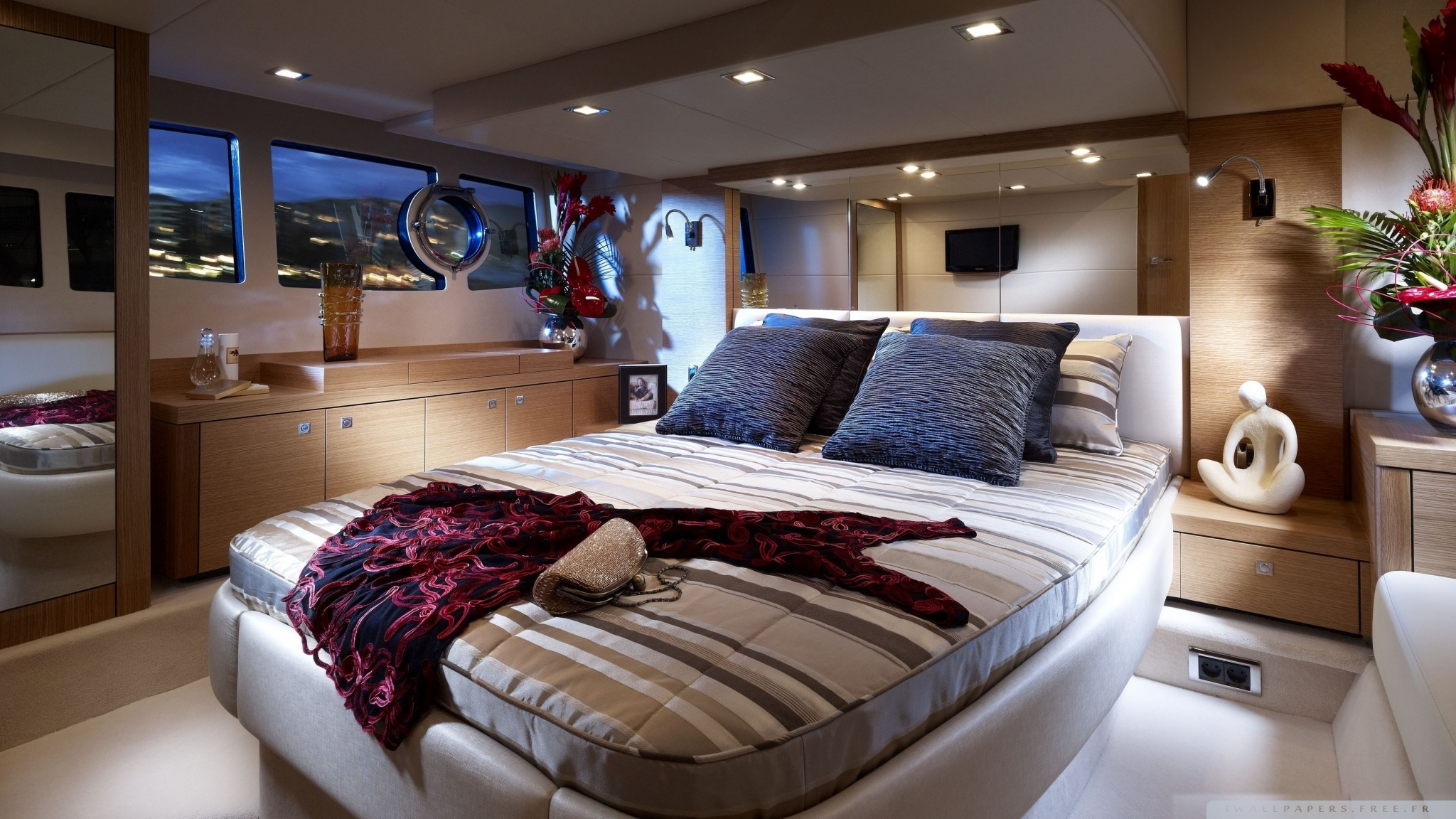 yacht_bedroom-wallpaper-2048x1152.jpg