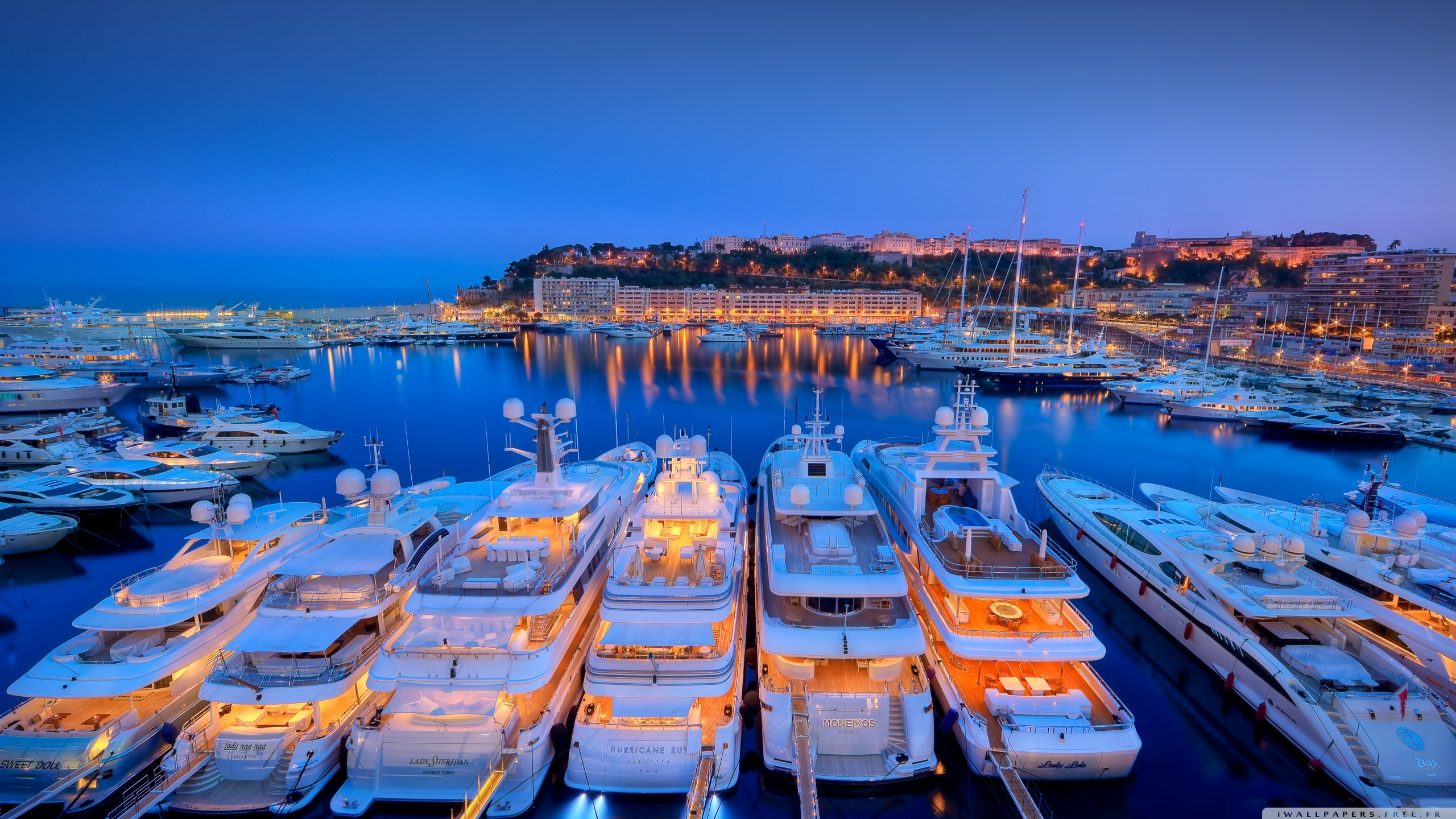 yachts_at_night-wallpaper-2560x1440.jpg